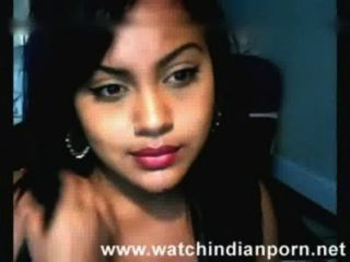 Webcam Footage Of Cute Desi Teen Showing Her Awesome Boobs