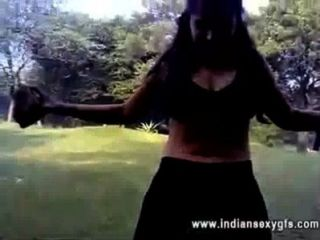 Sexy Desi Indian Girl Excercise - Boob Show - Indiansexygfs.com