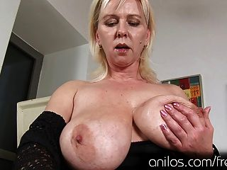 Huge natural tits and mature cunt crave orgasmic pleasure