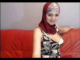 Hijab Camgirl Boobs ! Muslim Women Are Best !