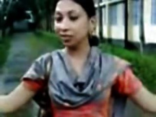 Sylheti Girl Showing Boobs And Naval To Lover