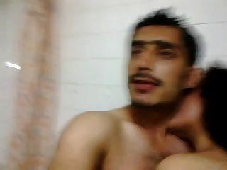 Muslim Aunty Getting Slap And Humiliated By Hindu Cock-