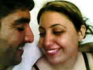 kiss sexy arab iraq