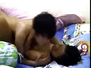 Malaysian Lesbian Couple Strapon Fuck! Pengkid (tomboy)