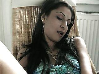 Oriental-looking Babe Dildoing Herself (help Identifying)